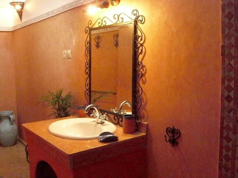 Riad la belle toile book riad la belle toile riad for Toile salle de bain