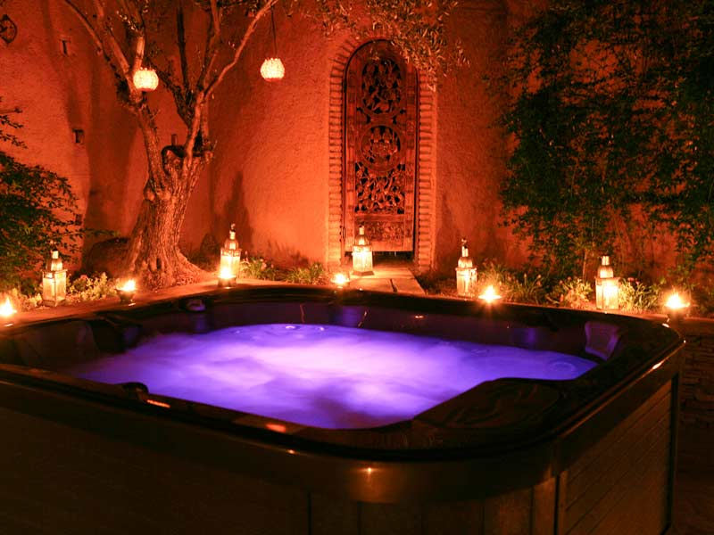 Gallery For > Romantic Jacuzzi Ideas